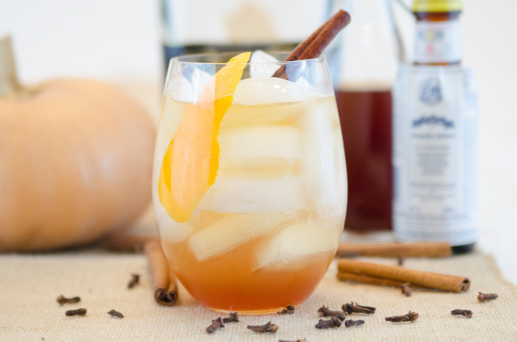 Pumpkin Spice Sprtizer with Whiskey